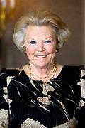 Prinses Beatrix heeft in het Koninklijk Paleis in Amsterdam 3 Zilveren Anjers uitgereikt. Dat is de prijs die prins Bernhard in 1950 in het leven riep als eerbetoon voor mensen die zich 'vrijwillig en onbetaald' inzetten voor cultuur of natuurbehoud. <br /> <br /> Princess Beatrix has awarded three Silver Carnations in the Royal Palace in Amsterdam. This is the price that Prince Bernhard in 1950 established it as a tribute to people who 'voluntarily and unpaid' work for culture or nature.<br /> <br /> op de foto / On the Photo:  Prinses Beatrix / Princess Beatrix