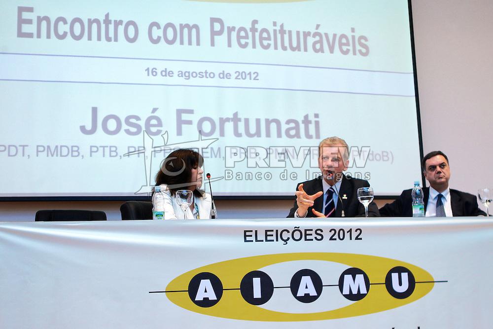 José Fortunati durante encontro com associação dos agentes fiscais da Receita Municipal de Porto Alegre - AIAMU. FOTO: Jefferson Bernardes/Preview.com
