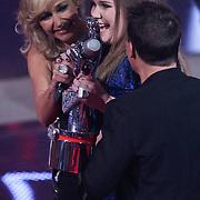 NLD/Hilversum/20120120 - Finale the Voice of Holland 2012, Wendy van Dijk, Iris Kroes winnares en Martijn Krabbe