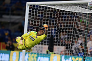 Jamal Blackman, the Sheffield Utd goalkeeper makes a save to deny Cardiff. EFL Skybet championship match, Cardiff city v Sheffield Utd at the Cardiff City Stadium in Cardiff, South Wales on Tuesday 15th August 2017.<br /> pic by Andrew Orchard, Andrew Orchard sports photography.