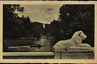 Zagreb : Maksimirsko jezero.<br />  <br /> ImpresumZagreb : Orient, [1935?].<br /> Materijalni opis1 razglednica : tisak ; 9 x 14 cm.<br /> NakladnikNaklada Orient<br /> Mjesto izdavanjaZagreb<br /> Vrstavizualna građa • razglednice<br /> ZbirkaGrafička zbirka NSK • Zbirka razglednica<br /> Formatimage/jpeg<br /> PredmetZagreb –– Maksimir<br /> SignaturaRZG-MAKS-17<br /> Obuhvat(vremenski)20. stoljeće<br /> NapomenaRazglednica je putovala 1935. godine.<br /> PravaJavno dobro<br /> Identifikatori000952609<br /> NBN.HRNBN: urn:nbn:hr:238:801716 <br /> <br /> Izvor: Digitalne zbirke Nacionalne i sveučilišne knjižnice u Zagrebu