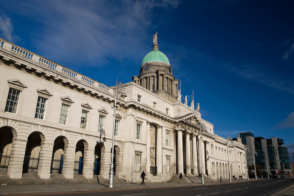 Custom House, Dublin, by architect James Gandon. The building was used to collect custom duties, but by the 20th century it had become a local government building until it was burned down during the War of Independence or Anglo-Irish War.