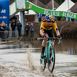 2020-02-08 Cycling: dvv verzekeringen trofee: Lille: Wout van Aert cutting through water on his way to his victory in front of his own people