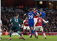 Football - 2017 / 2018 Premier League - Arsenal vs. Everton<br /> <br /> Everton pile on the pressure looking for more goals at The Emirates.<br /> <br /> COLORSPORT/DANIEL BEARHAM