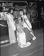27/08/1984<br /> 08/27/1984<br /> 27 August 1984<br /> Miss Ireland/World contest at the National Concert hall. Winner of the Miss Ireland Contest, Olivia Tracey, (Dublin), (centre) with the second and third place finalists.
