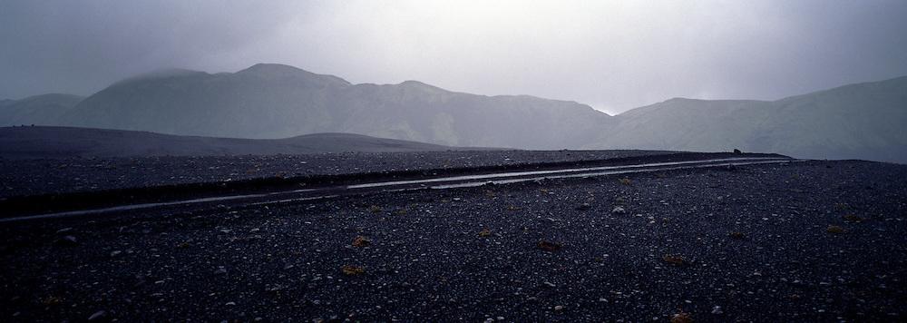 Rigning í fjöllum skammt við Breiðbak á hálendinu / Raining in the highlands near Breidbakur