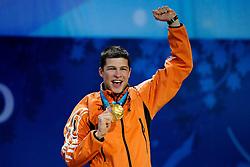 14-02-2010 ALGEMEEN: OLYMPISCHE SPELEN: CEREMONIE: VANCOUVER<br /> Sven Kramer tijdens de huldiging van de 5000 meter<br /> ©2010-WWW.FOTOHOOGENDOORN.NL