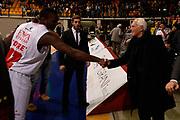 DESCRIZIONE : Desio campionato serie A 2013/14 EA7 Olimpia Milano Giorgio Tesi Group Piastoia <br /> GIOCATORE : Mohamed Toure' Giorgio Armani<br /> CATEGORIA : curiosita'<br /> SQUADRA : EA7 Olimpia Milano<br /> EVENTO : Campionato serie A 2013/14<br /> GARA : EA7 Olimpia Milano Giorgio Tesi Group Piastoia<br /> DATA : 04/11/2013<br /> SPORT : Pallacanestro <br /> AUTORE : Agenzia Ciamillo-Castoria/R. Morgano<br /> Galleria : Lega Basket A 2013-2014  <br /> Fotonotizia : Desio campionato serie A 2013/14 EA7 Olimpia Milano Giorgio Tesi Group Piastoia<br /> Predefinita :