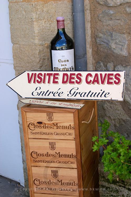Winery shop. Clos de Menuts. Saint Emilion, Bordeaux, France