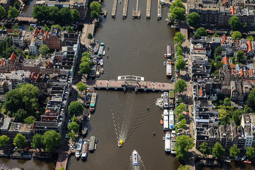 Nederland, Noord-Holland, Amsterdam, 14-06-2012; Amstel met Magere Brug..The Magere Brug (skinny bridge) over the river Amstel, Amsterdam center..luchtfoto (toeslag), aerial photo (additional fee required).foto/photo Siebe Swart