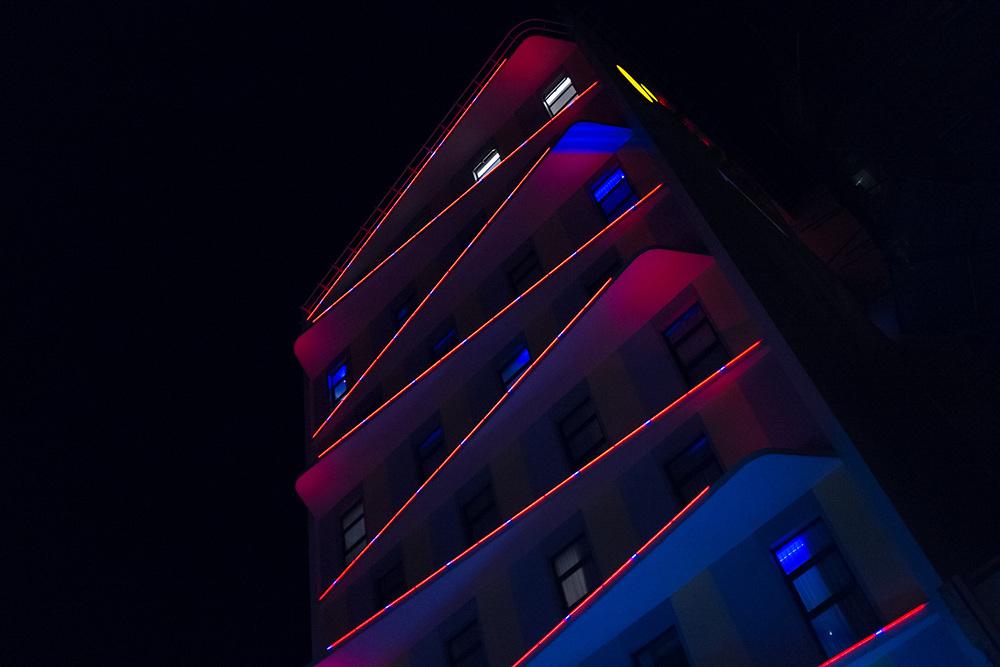 Sun & Moon urban hotel in Phnom Penh, Cambodia. Photo by Lorenz Berna