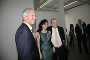 Larry Gagosian, Mollie Dent-Brocklehurst and Norman Rosenthall, Jeff Koons: Hulk Elvis. private view. Gagosian Gallery. 18 1une 2007.  -DO NOT ARCHIVE-© Copyright Photograph by Dafydd Jones. 248 Clapham Rd. London SW9 0PZ. Tel 0207 820 0771. www.dafjones.com.