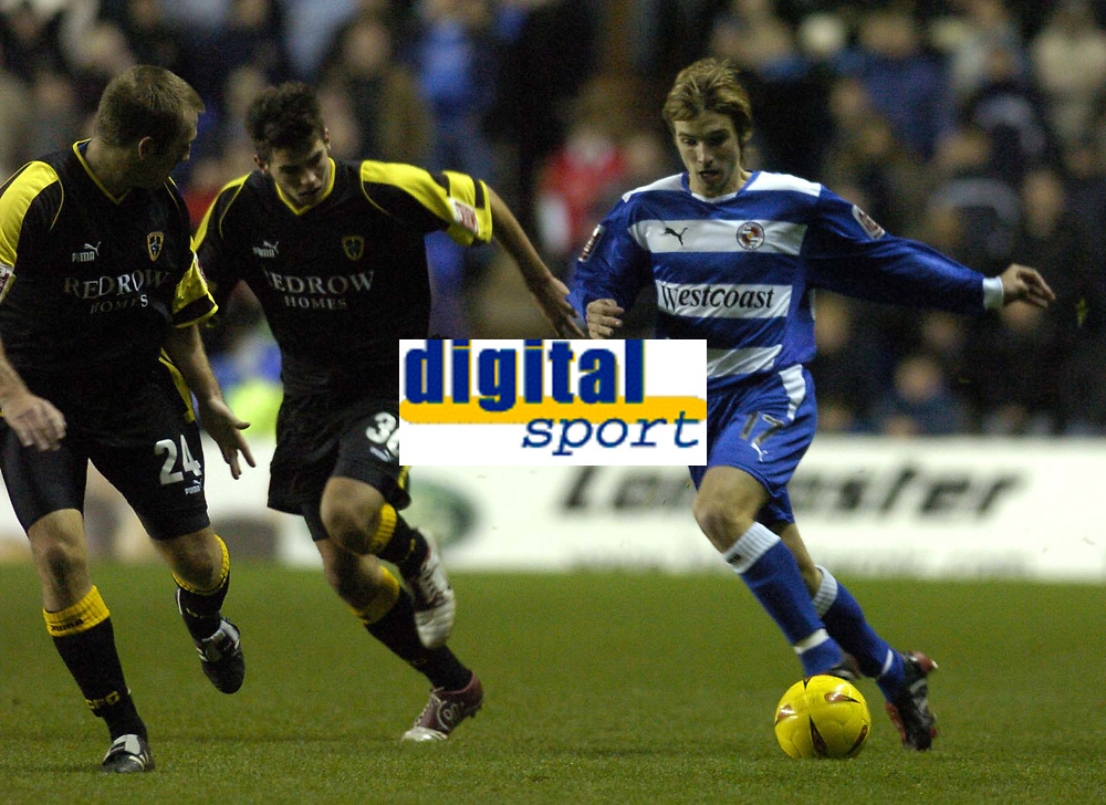 Fotball<br /> England 2004<br /> 13.11.2004<br /> Foto: SBI/Digitalsport<br /> NORWAY ONLY<br /> <br /> Reading v Cardiff City<br /> <br /> Coca-Cola Championship<br /> <br /> Bobby Convey attacks for Reading.