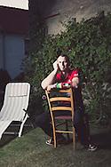 13.08.2015 Bebertal2, Sachsen-Anhalt, Matthias Schlitte, Portrait, Armwrestler. Matthias Schlitte in seinem elterlichen Hof im Bebertal.<br /><br />©20115 Harald Krieg / Agentur Focus