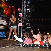 NLD/Amsterdam/20050806 - Gaypride 2005, optreden Vanessa