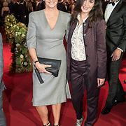 NLD/Amsterdam/20171012 - Televizier-ring Gala 2017, Martine van Os en dochter Bo