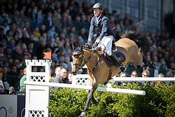 Schröder Andre (GER) - Peach Lamour<br /> Derby of Hamburg 2010<br /> © Dirk Caremans