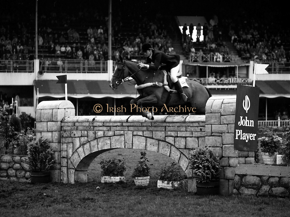 """07/08/1980<br /> 08/07/1980<br /> 07 August 1980<br /> R.D.S. Horse Show: John Player International, Ballsbridge, Dublin.  Pamela Dunning, (Great Britain) on """"Roscoe X"""", who won 2nd place in the competition."""