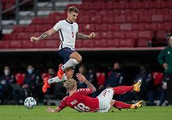 Kieran Trippier (England) tackles af Daniel Wass (Danmark) under UEFA Nations League kampen mellem Danmark og England den 8. september 2020 i Parken, København (Foto: Claus Birch).