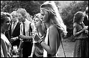 Drinks party for Henrietta Tatham. Ryecroft St. london SW6. 2 July 1986. Film 86521f30<br /> © Copyright Photograph by Dafydd Jones<br /> 66 Stockwell Park Rd. London SW9 0DA<br /> Tel 0171 733 0108