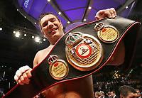 Boksing<br /> 14.04.2007<br /> Foto: Witters/Digitalsport<br /> NORWAY ONLY<br /> <br /> Jubel Ruslan Chagaev neuer WBA Weltmeister<br /> Boxen Schwergewicht WBA Weltmeisterschaft