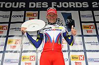 Sykkel<br /> Tour des Fjords 2015<br /> Foto: imago/Digitalsport<br /> NORWAY ONLY<br /> <br /> Alexander KRISTOFF ( NOR / Katusha Team ) gewinnt die erste Etappe der Tour des Fjords 2015 und kann sich auf dem Podium feiern lassen - Siegerehrung - Jubel - Freude - Emotionen - Querformat - quer - horizontal - Event / Veranstaltung: Tour des Fjords - Fjord Rundfahrt 2015 - Stage 1 / 1.Etappe: Bergen nach Norheimsund 177.0 km - Location / Ort: Norheimsund - Norway - Norwegen - Europe - Europa - Date / Datum: 27.05.2015