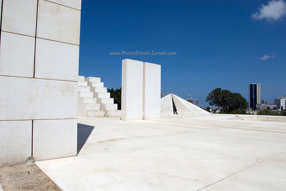Israel, Tel Aviv, Wolfson Park, White City Statue (1977 - 1988) a sculpture by Dani Karavan (born 1930). This sculpture is also known as White Square
