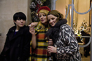 HANNA HANRA, PRINCESS JULIA AND ELAINE CHALMERS, Tim Noble and Sue Webster: Sacrificial Heart. Gagosian . Davies St. London and afterwards Claridges. 11 December 2007. . -DO NOT ARCHIVE-© Copyright Photograph by Dafydd Jones. 248 Clapham Rd. London SW9 0PZ. Tel 0207 820 0771. www.dafjones.com.