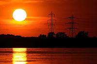 Uk Weather Sunset in Southampton photo By Michael Palmer