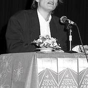 NLD/Huizen/19900115 - Oprichtingsvergadering politieke partij Groen Links afd. Huizen met Andrea van Es