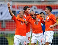 Fotball<br /> Nederland v Japan<br /> Foto: Witters/Digitalsport<br /> NORWAY ONLY<br /> <br /> 05.09.2009<br /> <br /> Jubel 2:0 v.l. Wesley Sneijder, Klaas Jan Huntelaar, Demy de Zeeuw, Robin van Persie<br /> Fussball Testspiel Niederlande - Japan 3:0