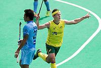 ANTWERP -    Jamie Dwyer of Australia scored 0-2 during  the hockeymatch   India vs Australia. left Chinglensana Kangujam.  WSP COPYRIGHT KOEN SUYK