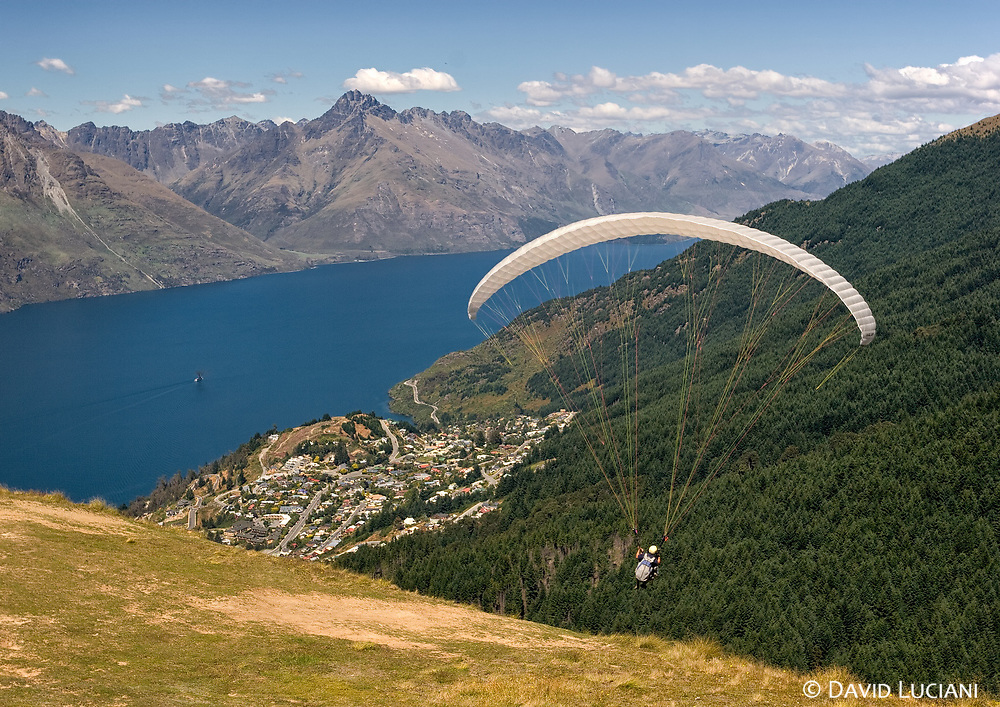 Queenstown is a cool place where you can hang around for a few days or try one of its attractions, like Bungy Jumping, Paragliding, or much more. I took this photo from a hill. In the background you can see Walter Peak (1800m).
