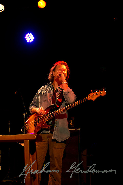 Bassist Steve Mackey performing with the Little Rippers in Nashville, TN.