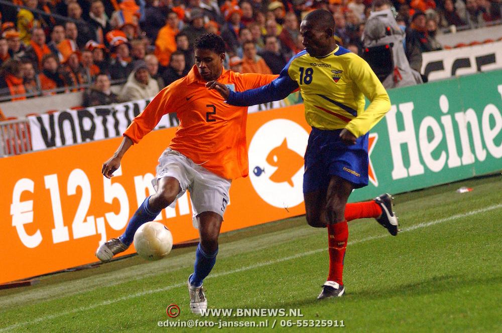NLD/Amsterdam/20060301 - Voetbal, oefenwedstrijd Nederland - Ecuador, Kew Jaliens en Neicer Reasco