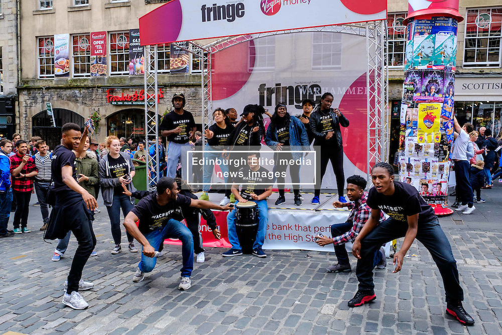 Edinburgh Scotland 7th August 2016 :: Performers from Fringe shows entertain in the High Street to promote their shows.<br /> <br /> Pictured:  Members of the cast of 'Macbeth'.<br /> <br /> (c) Andrew Wilson | Edinburgh Elite media