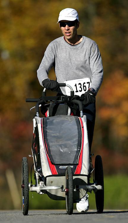 "(Ottawa (Cumberland), Ontario -- 11 Oct 2009) 1367 competes in the 2009 Ottawa Fall Colours Half-Marathon in Cumberland. [Photo credit should read ""Sean Burges / Mundo Sport Images""]"