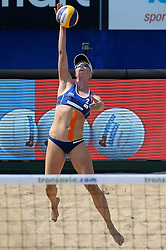 18-07-2014 NED: FIVB Grand Slam Beach Volleybal, Scheveningen<br /> Knock out fase - Madelein Meppelink (2) NED
