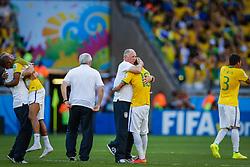 Neymar Júnior e Luiz Felipe Scolari na partida entre Brasil x Chile, válida pelas oitavas de final da Copa do Mundo 2014, no Estádio Mineirão, em Belo Horizonte. FOTO: Jefferson Bernardes/ Agência Preview