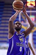 DESCRIZIONE : Porto San Giorgio PreCampionato Lega A 2015-16 Vanoli Cremona Banvit Basketbol GIOCATORE : James Southerland<br /> CATEGORIA : Tiro Libero<br /> SQUADRA : Vanoli Cremona<br /> EVENTO :  PreCampionato Lega A 2015-16<br /> GARA : Vanoli Cremona Banvit Basketbol <br /> DATA : 04/09/2015<br /> SPORT : Pallacanestro <br /> AUTORE : Agenzia Ciamillo-Castoria/A.Giberti<br /> Galleria :  Campionato Lega A 2015-16  <br /> Fotonotizia :  Vanoli Cremona Banvit Basketbol <br /> Predefinita :