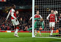 Danny Welbeck of Arsenal scores a goal to make it 3-1 - Mandatory by-line: Robbie Stephenson/JMP - 15/03/2018 - FOOTBALL - Emirates Stadium - London, England - Arsenal v AC Milan - UEFA Europa League Round of 16, Second leg
