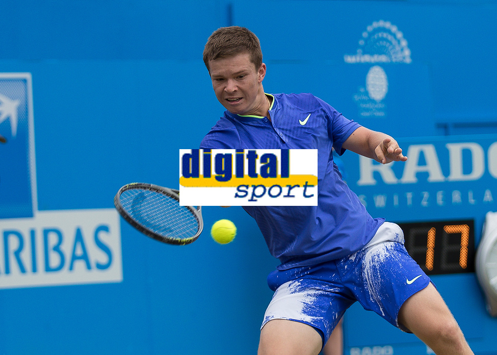 Tennis - 2017 Aegon Championships [Queen's Club Championship] - Day Four, Thursday <br /> <br /> Men's Singles: Round of 16 - Marin Cilic (CRO) Vs Stefan Kozlov (USA)<br /> <br /> Stefan Kozlov (USA) in action on Centre Court at Queens Club<br /> <br /> COLORSPORT/DANIEL BEARHAM