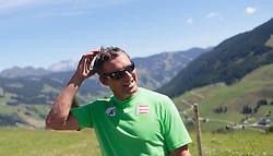 04.08.2015, Zwölferkogel, Saalbach Hinterglemm, AUT, ÖSV, Medientermin mit ÖSV Abfahrerinnen, im Bild sportlicher Leiter ÖSV Damen Jürgen Kriechbaum // during a media event with the OeSV women Downhill Team at the Zwölferkogel in Saalbach Hinterglemm, Austria on 2015/08/04. EXPA Pictures © 2015, PhotoCredit: EXPA/ JFK