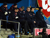Photo: Javier Garcia/Back Page Images<br />Portsmouth v Arsenal, FA Barclays Premiership, Fratton Park, 19/12/04<br />Arsene Wenger nervously checks Physio Gary Lewin's watch