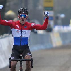 19-01-2020: Wielrennen: Wereldbeker Veldrijden: Nommay<br /> Ryan Kamp wint in Nommay de werledbekerwedstrijd voor beloften