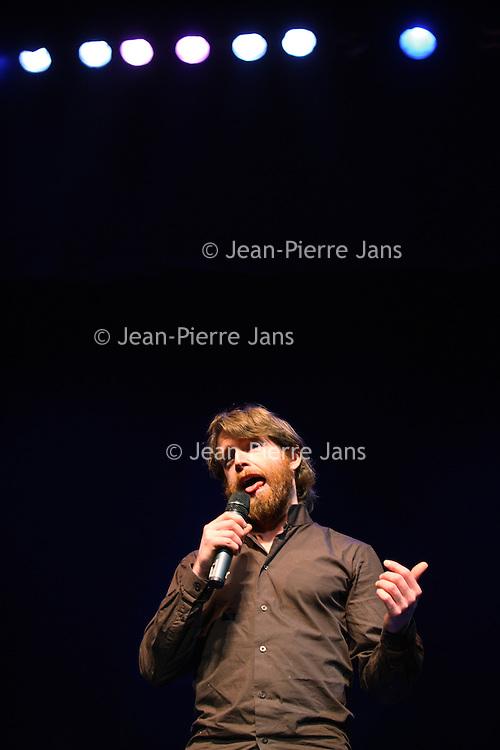 Nederland, Leiden ,13 februari 2010..Voorrondes van het Leids Cabaret Festival 2010..op de foto winnaar van 2010 de Belg Jeroen Leenders..Foto:Jean-Pierre Jans