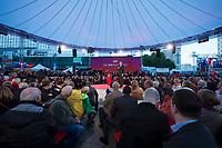 """19 SEP 2013, BERLIN/GERMANY:<br /> Peer Steinbrueck, SPD, Kanzlerkandidat, haelt eine Rede, waehrend der SPD Wahlkampfveranstaltung zur Bundestagswahl """"Endspurt mit Peer Steinbrück"""", Alexanderplatz<br /> IMAGE: 20130919-01-024<br /> KEYWORDS: Zelt, Peer Steinbrück, Übersicht, Uebersicht"""