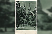 Stari Zagreb.  <br /> <br /> ImpresumS. l. : S. n., [1948].<br /> Materijalni opis1 razglednica : tisak ; 14 x 9 cm.<br /> Vrstavizualna građa • razglednice<br /> ZbirkaGrafička zbirka NSK • Zbirka razglednica<br /> Formatimage/jpeg<br /> PredmetZagreb –– Kaptol<br /> Katedrala Uznesenja Marijina (Zagreb)<br /> SignaturaRZG-KAP-46<br /> Obuhvat(vremenski)20. stoljeće<br /> NapomenaRazglednica je putovala 1948. godine.<br /> PravaJavno dobro<br /> Identifikatori000955534<br /> NBN.HRNBN: urn:nbn:hr:238:569330 <br /> <br /> Izvor: Digitalne zbirke Nacionalne i sveučilišne knjižnice u Zagrebu