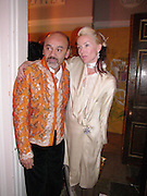 Daphne Guinness and Christian Louboutain. The Vogue List, celebrated by Vogue and Motorola. 33 Portland Place. 3 November 2004. ONE TIME USE ONLY - DO NOT ARCHIVE  © Copyright Photograph by Dafydd Jones 66 Stockwell Park Rd. London SW9 0DA Tel 020 7733 0108 www.dafjones.com