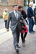 Politieke prominenten wonen de uitvoering van de Matthaus Passion bij in de Grote Kerk in Naarden. <br /> <br /> Op de foto:  Jan Peter Balkenende en zijn vrouw